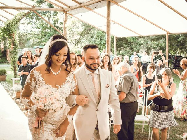 O casamento de  Sabrina e Danilo: o amor vence as distâncias