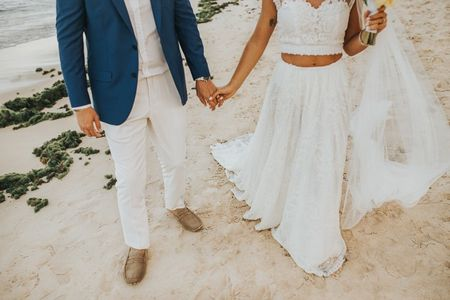 Calçados originais para o noivo que se casa na praia