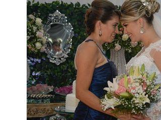 Anny Caroline Designer Floral 2