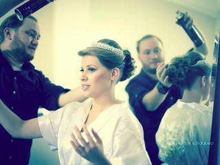 Thiago Xavier - Make up & Hair Artist 5
