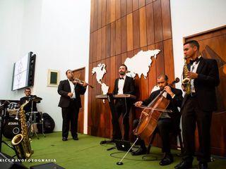 Áthrios Band 4