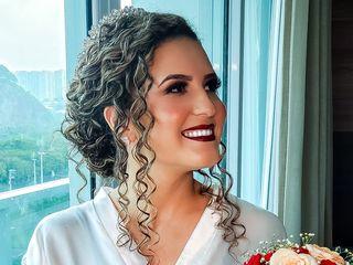 Carolina Fernandes Maquiagem e Penteado 4