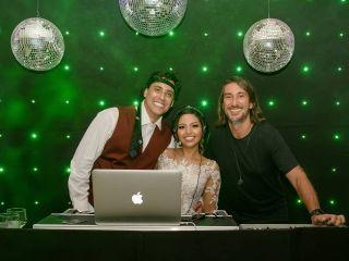 DJ Johnny Som & Luz 1