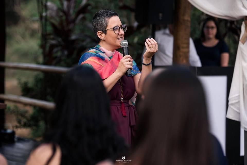 Fernanda Pradella - Especialista na Arte de Encantar 19