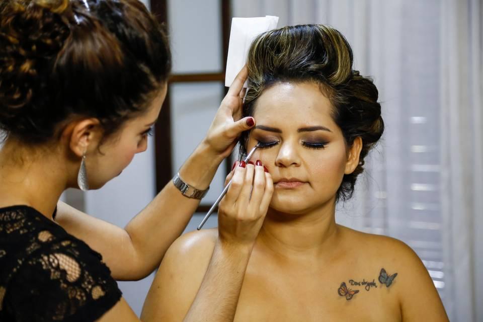 Thaís Teixeira Beauty Artist 12