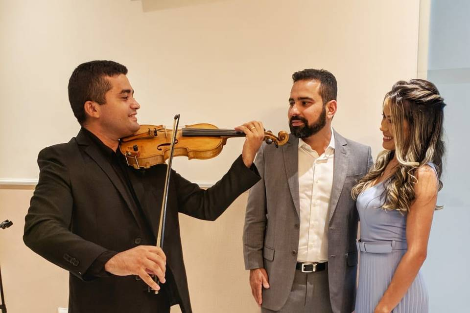 Laio Cosmo Violinista 12