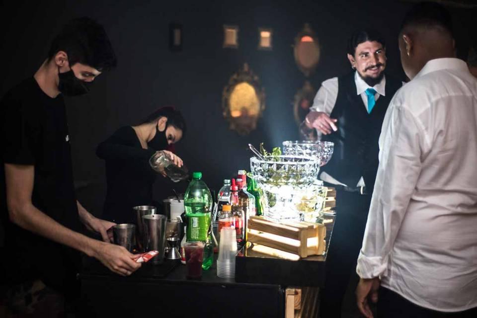 Chapa Drinks Bartenders 13