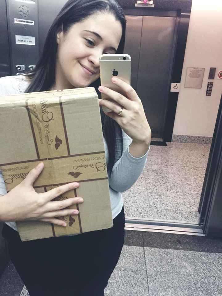 Eu recebi no serviço kk então imagina como eu tava chorando no elevador com a caixa na mão kkk