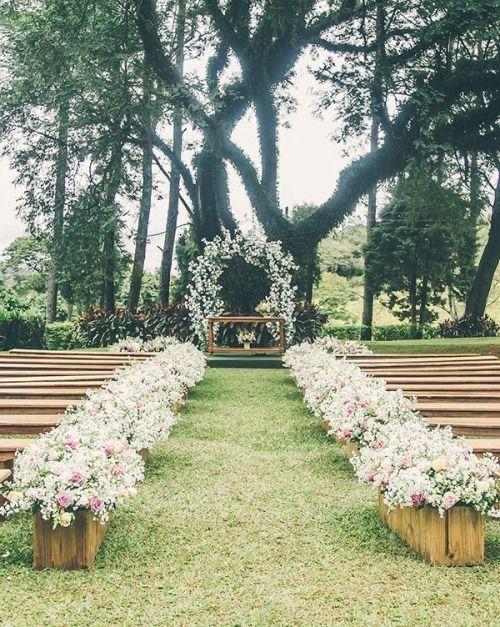 Bancos de madeira para cerimônia - 1