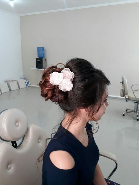 Detalhe do penteado. 1