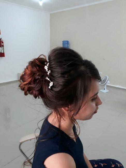 Detalhe do penteado. 3