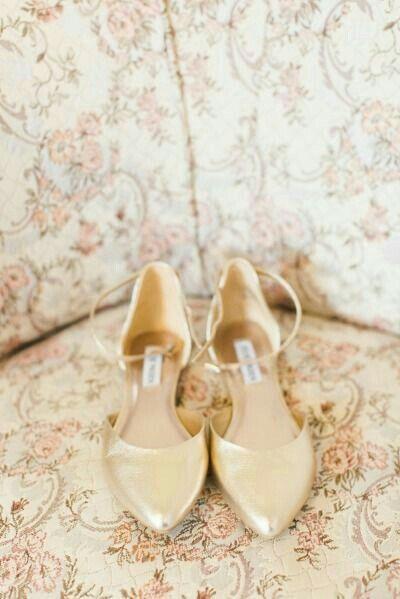 7c8eca658 Sapatos para casar na grama - 4
