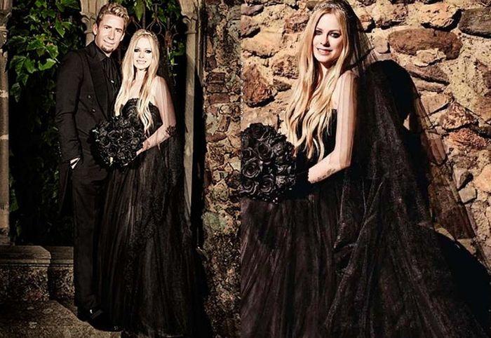 Avril Lavigne Matrimonio In Nero : Vestido de noiva preto