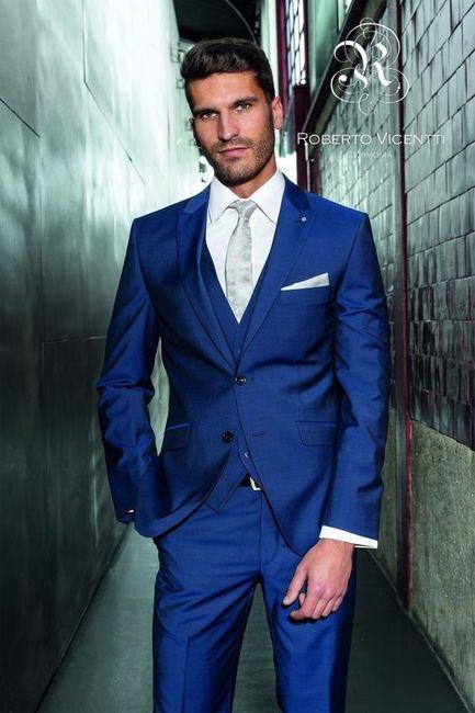 Terno azul para o noivo