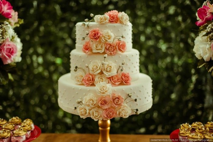 Bolo de casamento romântico ou moderno? 1