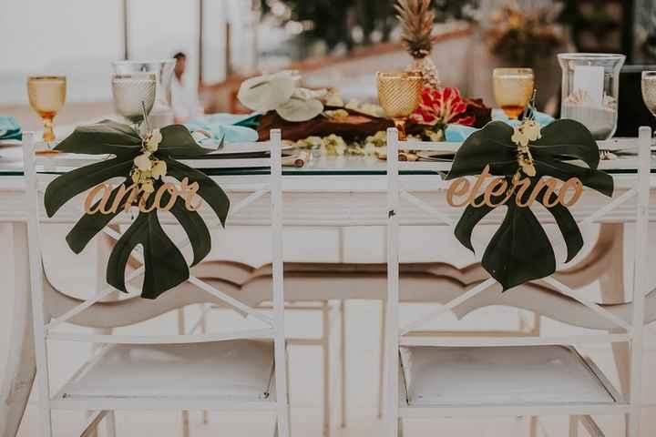 Cadeira dos noivos romântica ou moderna?