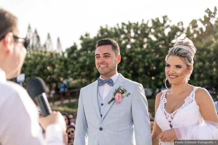 Look de noivo para casamento praiano: qual você salva? - 2