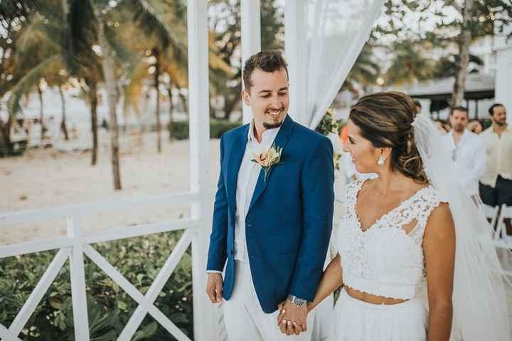 Look de noivo para casamento praiano: qual você salva? - 3