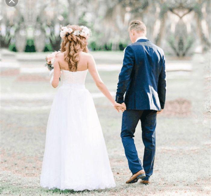 Noivo fugindo do tradicional e ousar no terno azul marinho e sapatos marrons 2