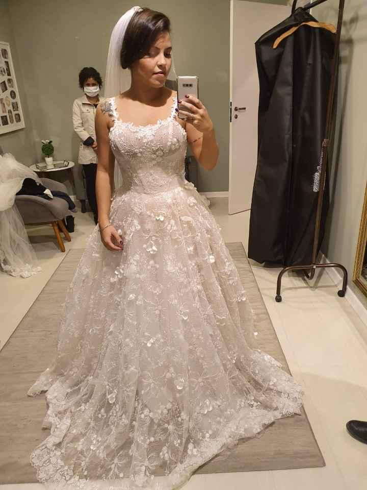 Experimentei meu primeiro vestido de noiva! - 1