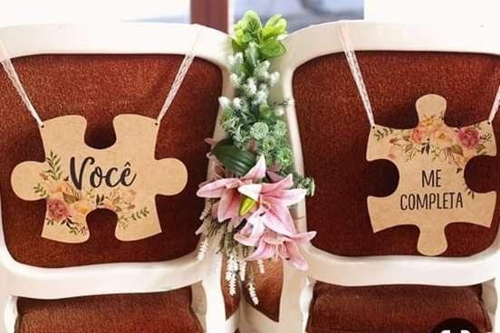 Placa personalizada para cadeira dos noivos - 1
