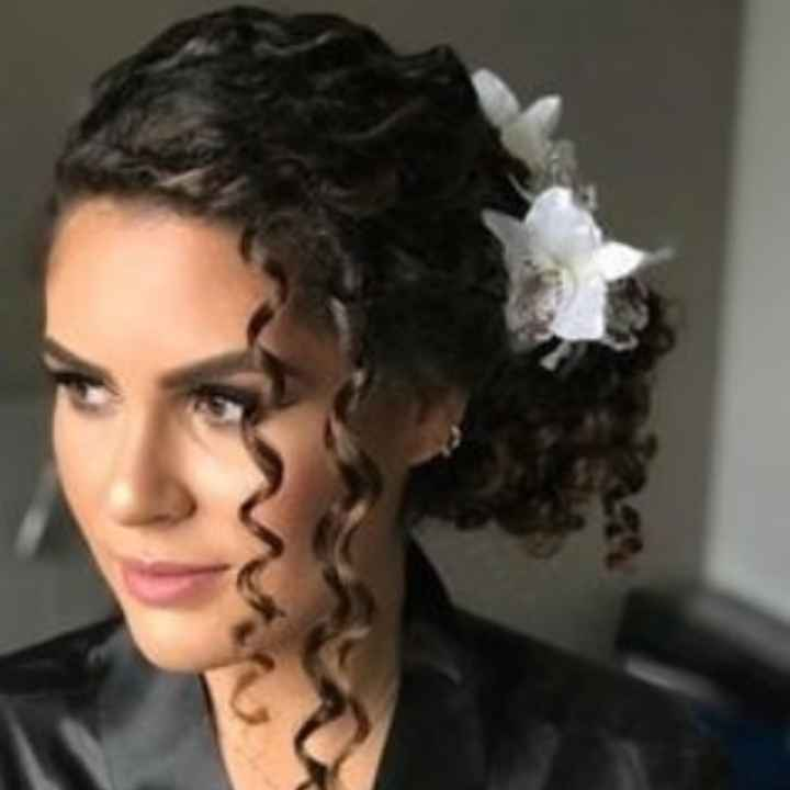 Penteados pra cabelos cacheados - 2
