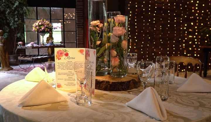 Cardápio na mesa dos convidados - 2