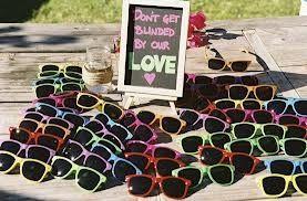 82d03f620 Óculos de sol como lembrancinha!  -