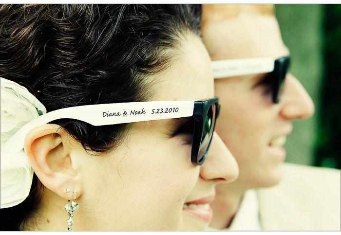 61d71c3ca2928 Óculos de sol como lembrancinha!  -