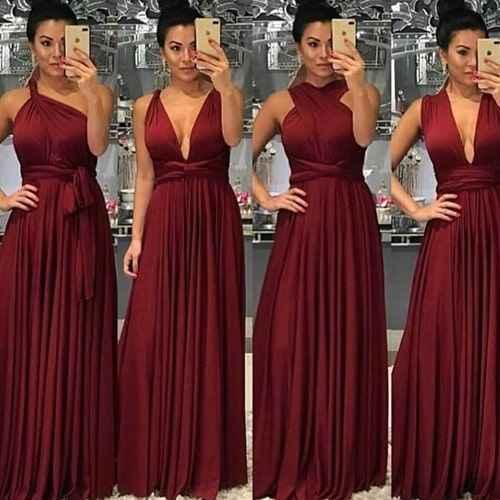 Madrinhas de vestidos iguais - 1