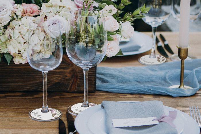 Jogue e ganhe as tags para adesivar as taças do seu casamento 🥂🎲 1