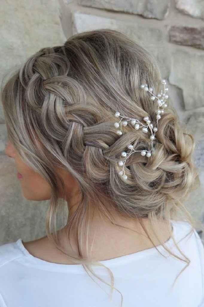 Penteado para o casamento: coque com flor - 4