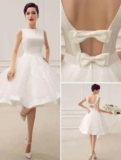 Vestido para noivado aberto nas costas