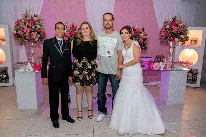 Noivos com irmão da noiva e cunhada