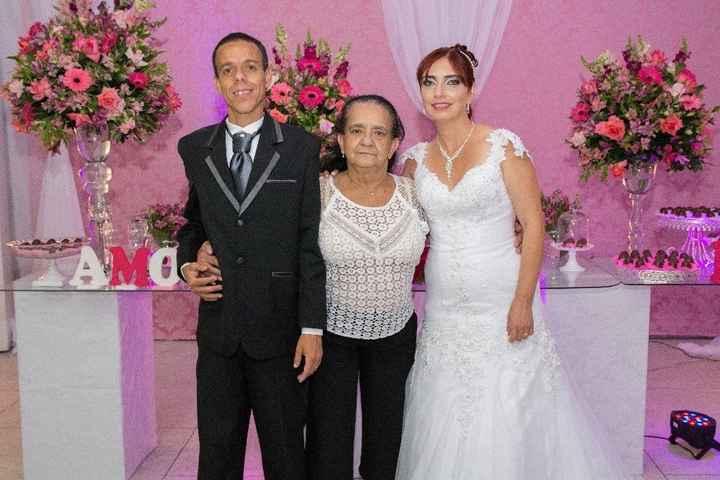 Noiva com sua segunda mãe
