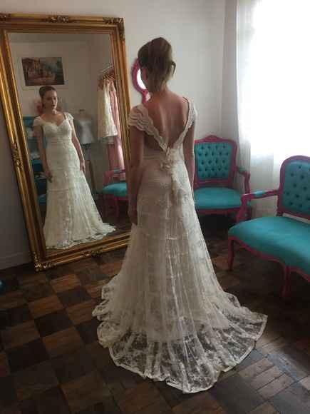 vestido numero 4 tambem muito delicado só naõ tenho estas costas lindas!