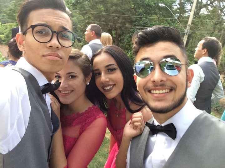 Kaique e Luana - entraram com a plaquinha da noiva