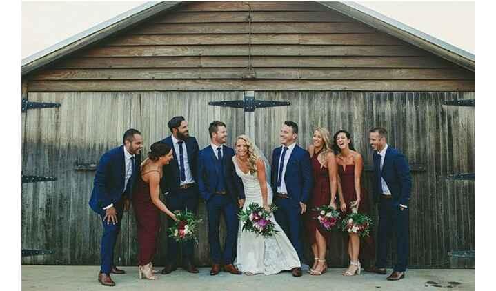 Uma noiva animada com as entregas dos convites dos padrinhos! - 3