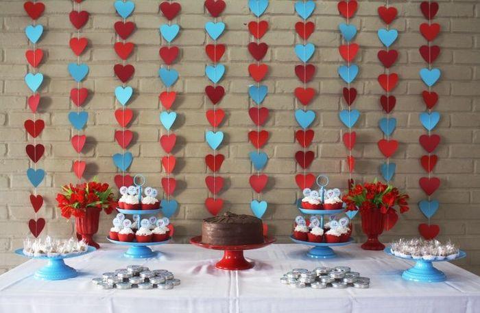 decoracao festa noivado:Cortina de corações – Inspiração para noivado