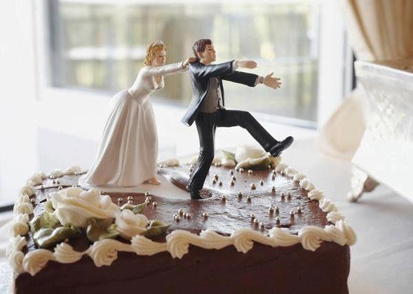 Topo de bolo do noivo casando à força - TOPZERA ou ZUADO? 1