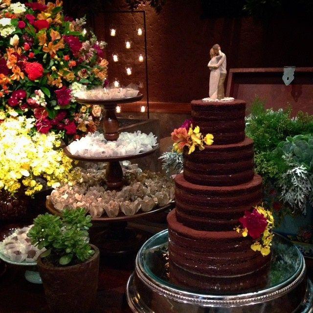Nem de graça eu aceitaria este... bolo de casamento 🍰 2