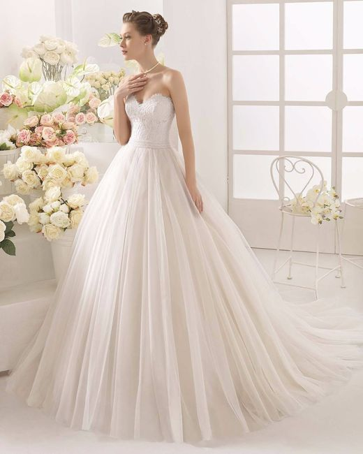 fd140656c2 Decote coração para o seu vestido de noiva