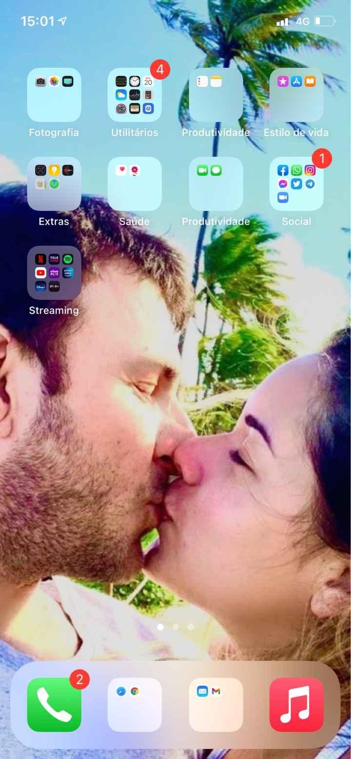 📸 Poste um print de tela do seu celular que tenha como fundo uma foto sua e do seu amor - 1