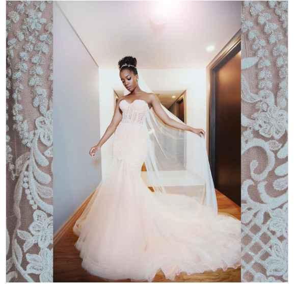 Falando sobre cores: vestido de noiva branco com forro rosa - 2