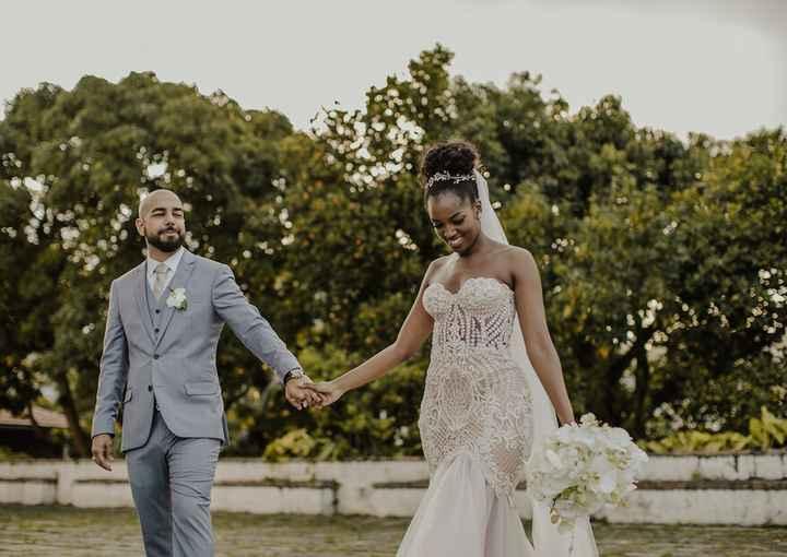Falando sobre cores: vestido de noiva branco com forro rosa - 3
