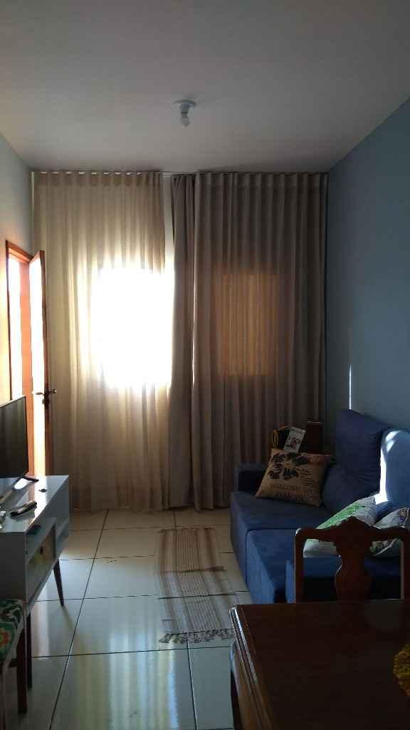 Nossa sala pintada e já com cortina ( agora falta o pendente no teto, mas haja grana rsrs)