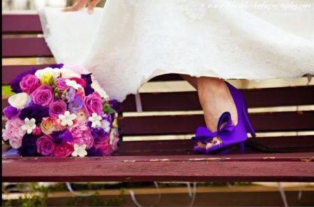c5622a87c Pode a noiva usar sapatos coloridos???