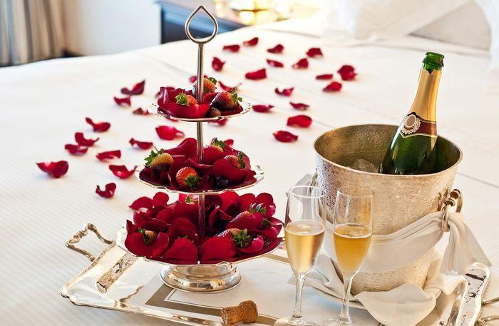 ¿Qué mimo te gustaría recibir de tu amor en la noche de bodas? 1