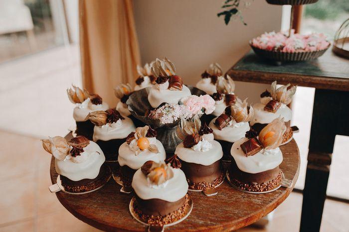 Bolo de casamento em miniaturas para cada convidado: faria? 🧁 1