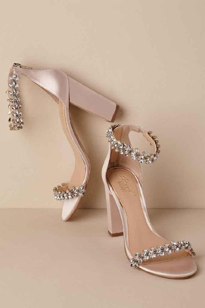 Seus sapatos: salto grosso ou fino? - 1